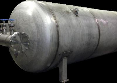 Horizontal Cryogen Storage Pressure Vessel With Attached Valve Manifold System